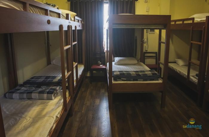 Dee Dee Hostel