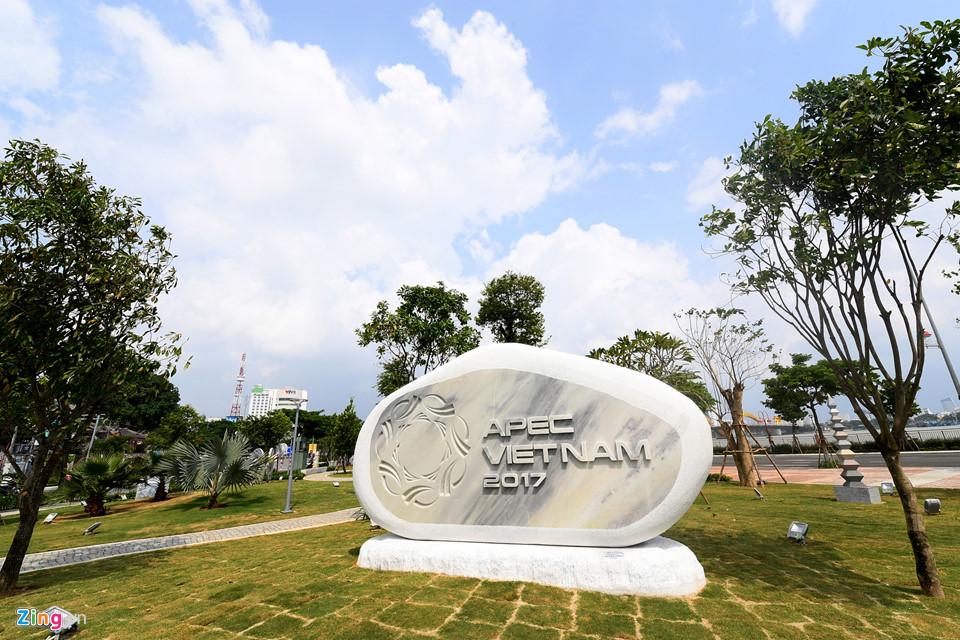 Da Nang rang ngoi chao don Tuan le cap cao APEC - 4