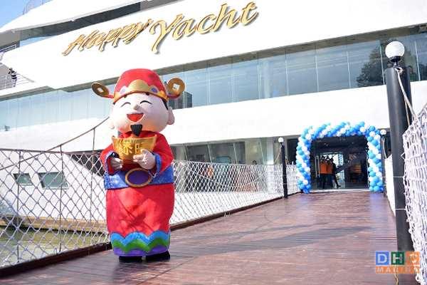 Nhà hàng phong cách Việt trên du thuyền hạnh phúc nằm ngay giữa sông Hàn đầy quyến rũ !