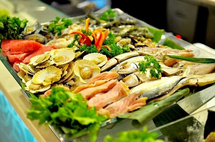top-10-quan-hai-san-da-nang-ly-tuong-nhat-de-nap-vitamin-sea-10
