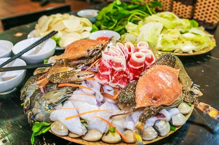 top-10-quan-hai-san-da-nang-ly-tuong-nhat-de-nap-vitamin-sea-14