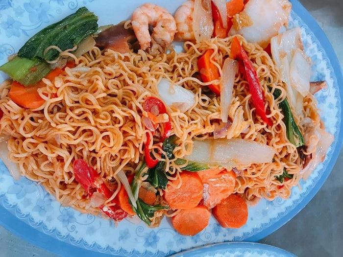 top-10-quan-hai-san-da-nang-ly-tuong-nhat-de-nap-vitamin-sea-3
