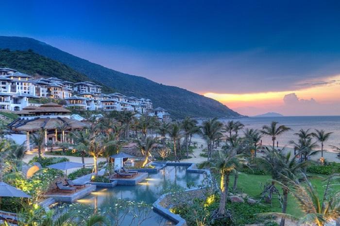 trai-nghiem-cuoc-song-thuong-luu-tai-top-5-resort-sang-chanh-nhat-da-nang-3