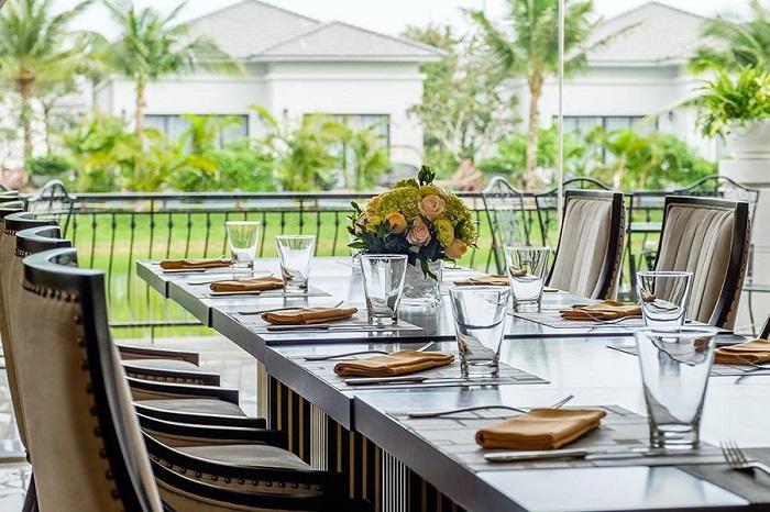 trai-nghiem-cuoc-song-thuong-luu-tai-top-5-resort-sang-chanh-nhat-da-nang-42