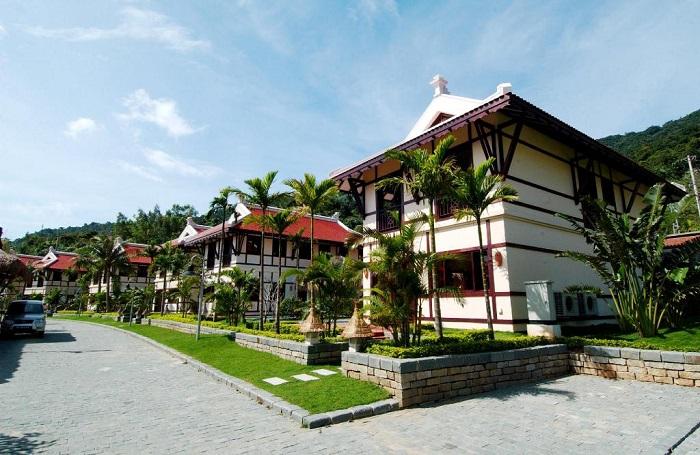 trai-nghiem-cuoc-song-thuong-luu-tai-top-5-resort-sang-chanh-nhat-da-nang-62