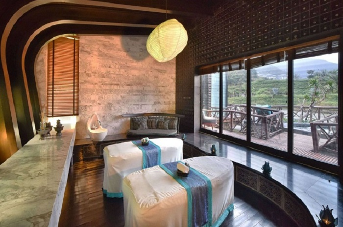 trai-nghiem-cuoc-song-thuong-luu-tai-top-5-resort-sang-chanh-nhat-da-nang-8