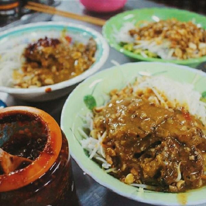 top-10-quan-bun-thit-nuong-ngon-than-sau-khong-the-bo-qua-khi-den-da-nang-6