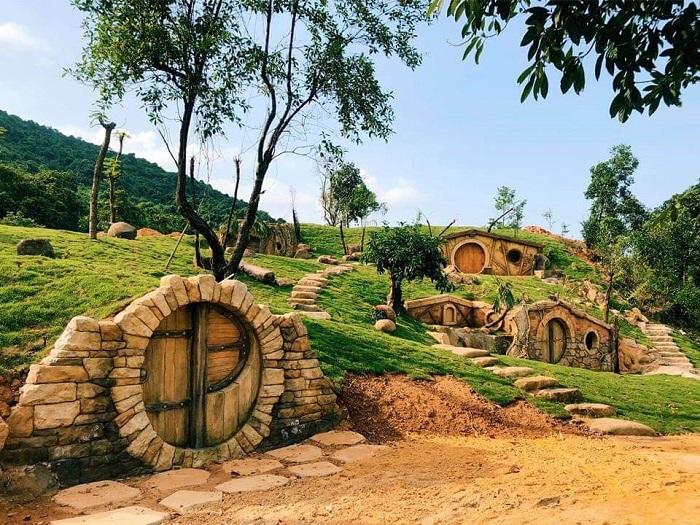 bach-ma-village-phien-ban-lang-nguoi-lun-hobbit-hot-ran-ran-o-hue-3