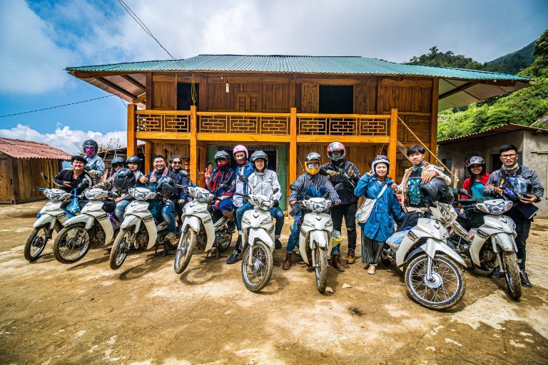 Thuê xe máy Điện Biên - Anh Tuấn